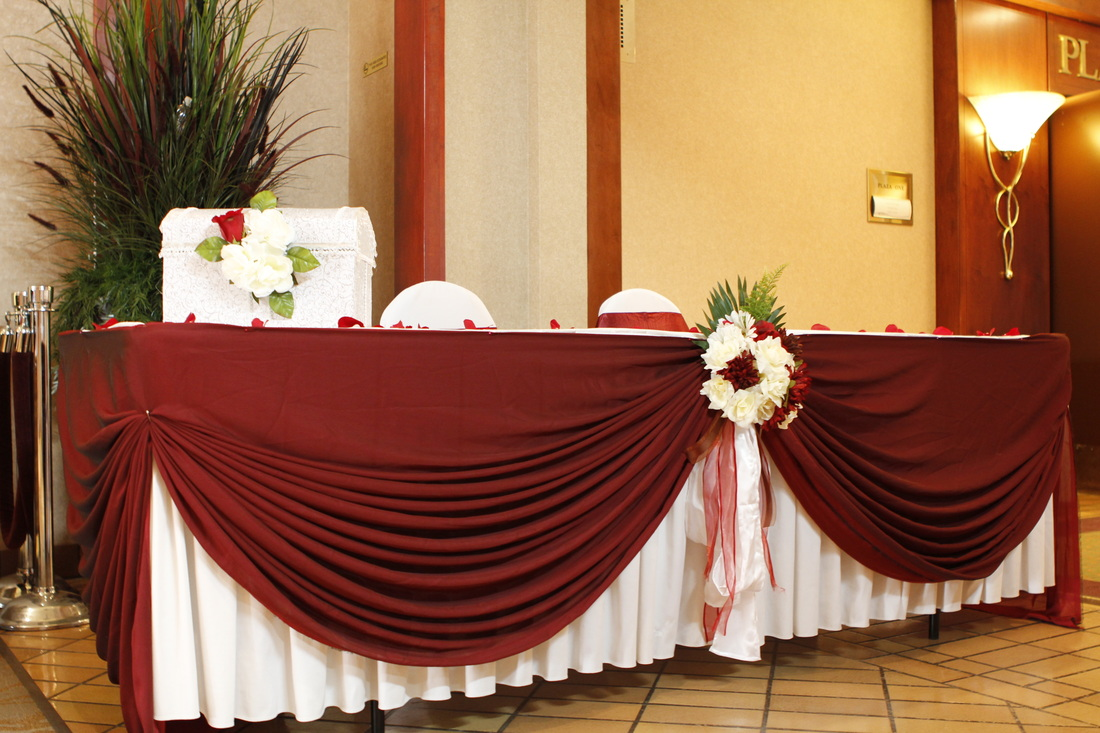 Wedding Table Decoration, Linens  Noretas Decor Inc. Decor For Large Wall. Safari Home Decor. Hotels With Jacuzzi In Room In Nj. Living Room Art Decor. Decorating A Small Home Office. Florida Rooms. Cheap Decorations. Gray Home Decor